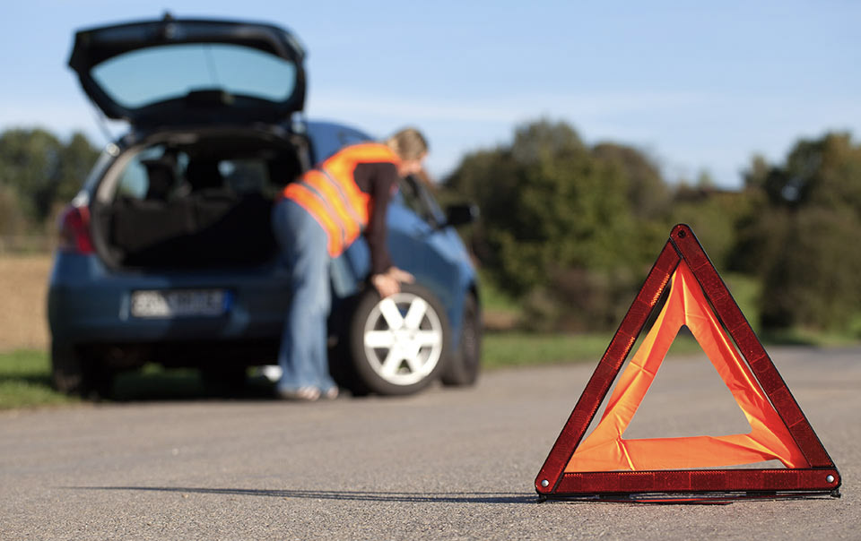 Tips For Handling a Tire Blowout Travelers Insurance | Cape Coral, FL
